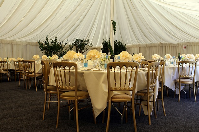 10 Things to Think About Before Talking to Any Wedding Vendor